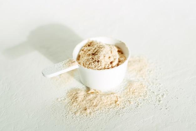 Pallina di proteine in polvere