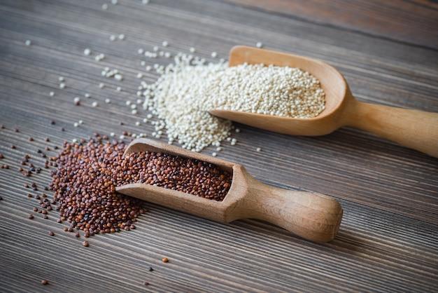 Palline di quinoa bianca e rossa