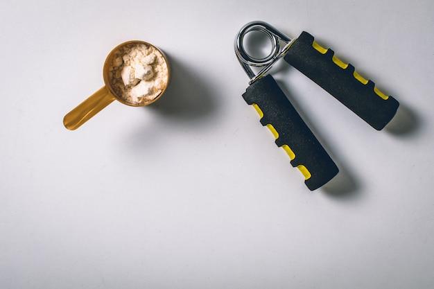 Palline riempite con proteine in polvere di vaniglia.