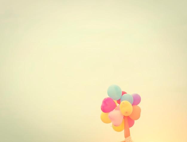 Palloncini colofur nel cielo