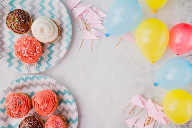 Palloncini colorati e muffin