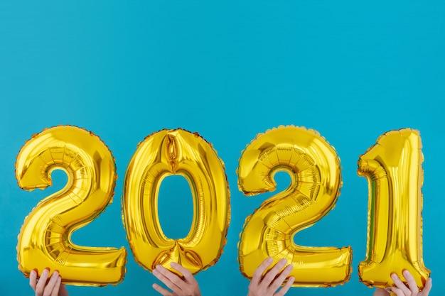 Palloncino celebrazione numero 2021 in lamina d'oro
