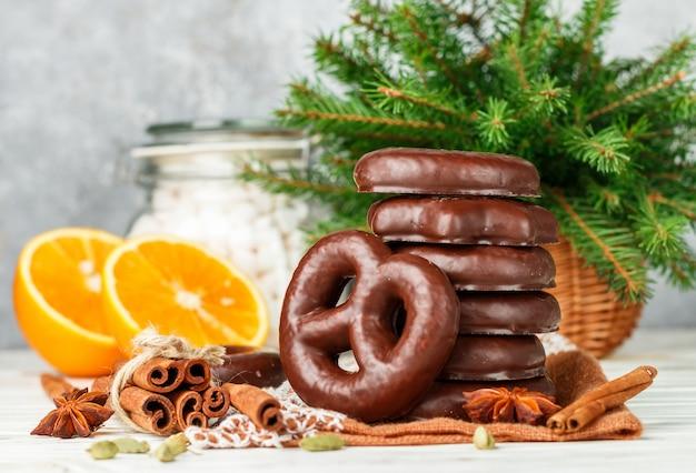 Pan di zenzero al cioccolato di natale