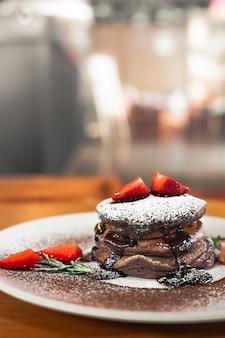 Pancake al cioccolato con strewberry