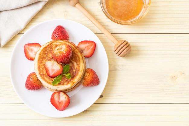 Pancake con fragole fresche