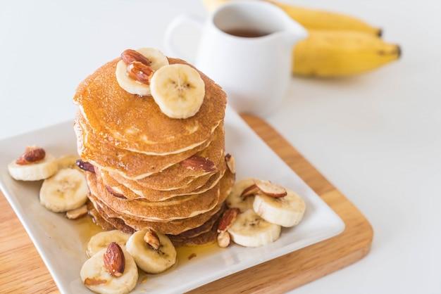Pancake di banane di mandorle