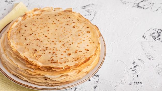 Pancakes sottili con spazio di copia. bliny. maslenitsa