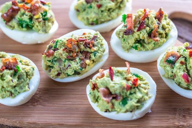 Pancetta guacamole uova alla diavola