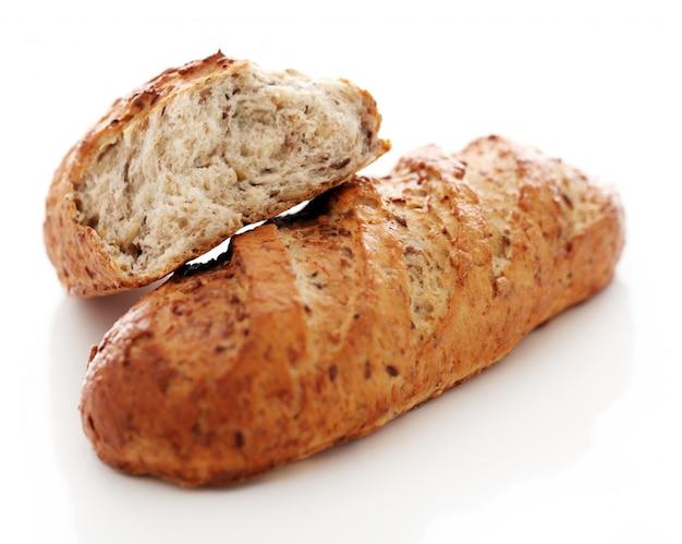 Pane croccante fatto in casa con cereali