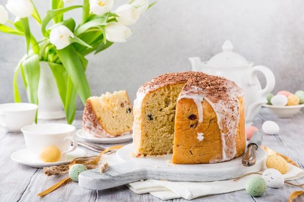 Pane dolce ortodosso di pasqua