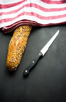 Pane fatto in casa con semi