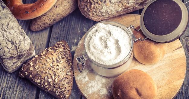 Pane fresco vario