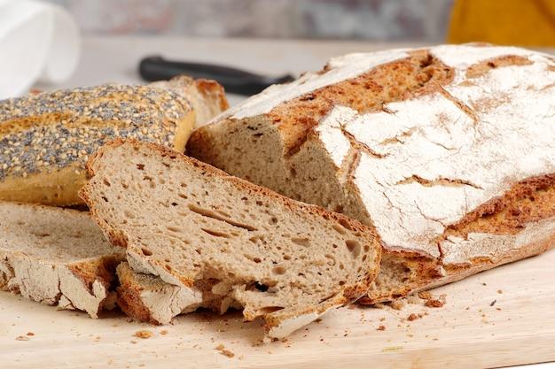 Pane tradizionale tagliato a fette