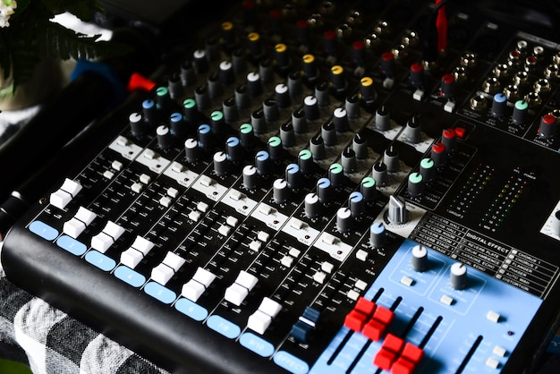 Pannello di controllo audio mix audio professionale