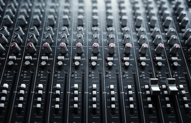 Pannello di controllo del mixer audio musicale