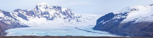 Panorama dell'islanda del ghiacciaio di skaftafell