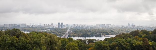 Panorama della città di kiev, ucraina