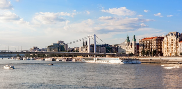 Panorama di budapest, paesaggio urbano