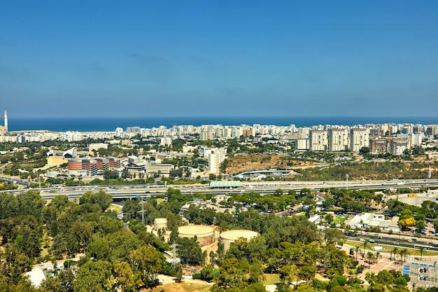 Panorama di tel aviv con vista sulle aree del nord di tel aviv e sul mare