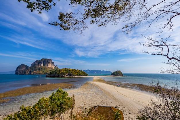 Panoramica di koh poda e isole vicine