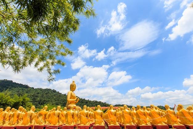 Parco del memoriale di buddha, nakornnayok tailandia.