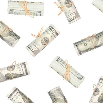 Parecchi pacchi di dollari americani isolati su bianco