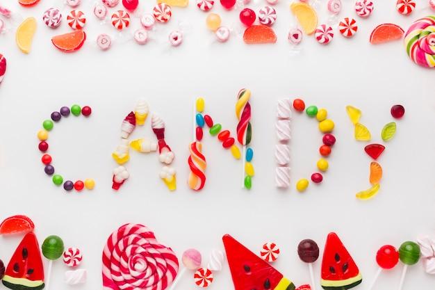 Parola di candy scritta con deliziosi dolci