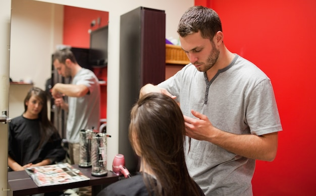 Parrucchiere maschile taglio capelli