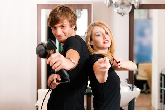 Parrucchiere maschio e femmina