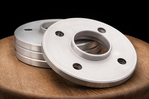 Parti automobilistiche - vicino nuovo mozzo ruota distanziale adattatore remoto in metallo inossidabile dell'auto