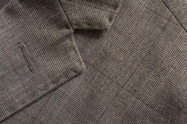 Particolare del completo da uomo tailoring