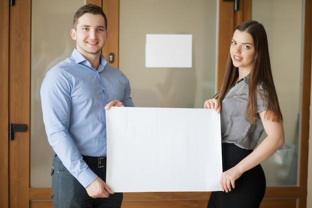 Partner commerciali che lavorano al progetto