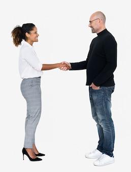 Partner commerciali in una stretta di mano