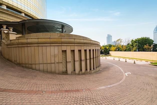 Passaggio pedonale circolare dell'hotel a shanghai, cina