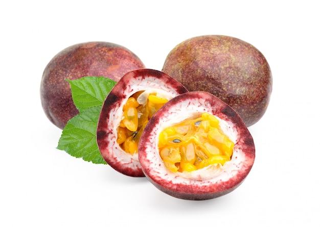 Passionfruit isolato
