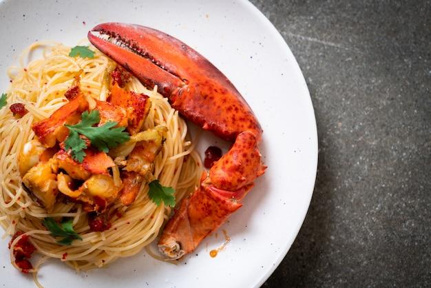Pasta all'astice o spaghetti all'aragosta