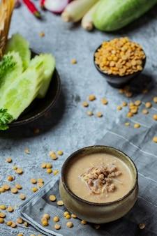 Pasta di fagioli bollita alimento tailandese centrale.