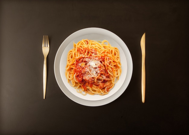 Pasta italiana all'amatriciana