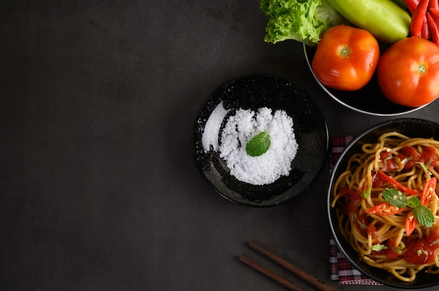 Pasta italiana appetitosa degli spaghetti con salsa al pomodoro