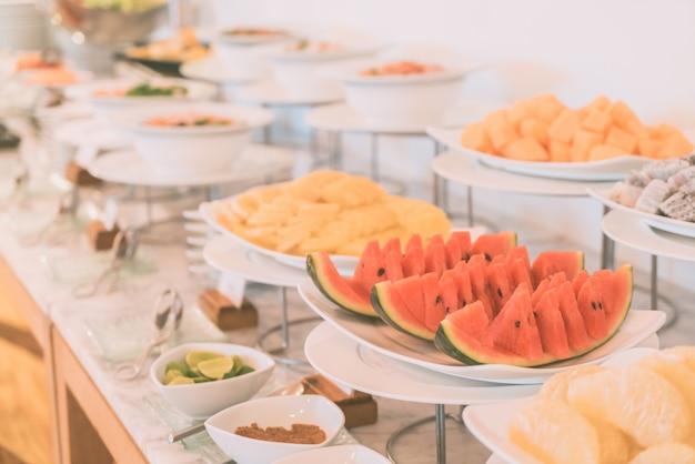 Pasto tavola del banchetto a buffet persone