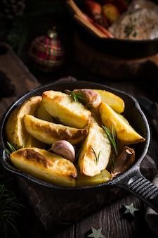 Patate al forno con aglio