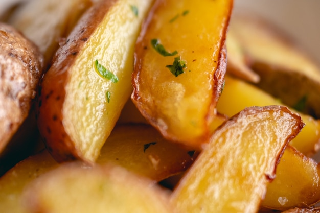 Patatine fritte croccanti dall'aspetto delizioso.