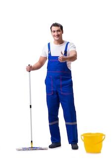 Pavimento di pulizia dell'uomo isolato su bianco