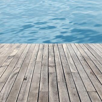 Pavimento in legno e mare