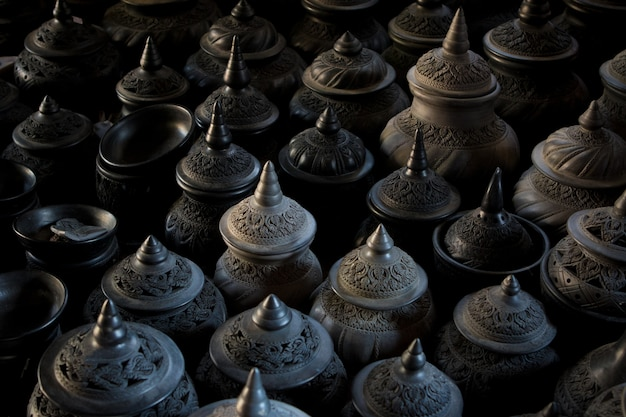 Pentola di argilla scultura in stile tailandese