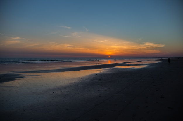 Peopple al tramonto