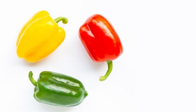 Peperone dolce fresco verde, giallo e rosso