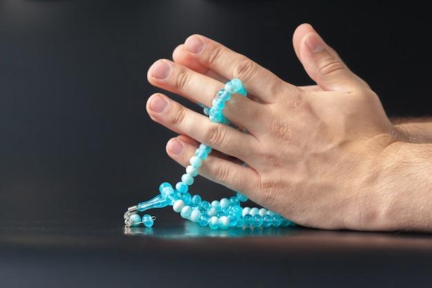 Perle di tenuta mano maschio
