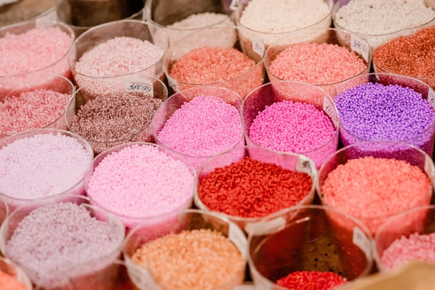 Perline di vetro colorate