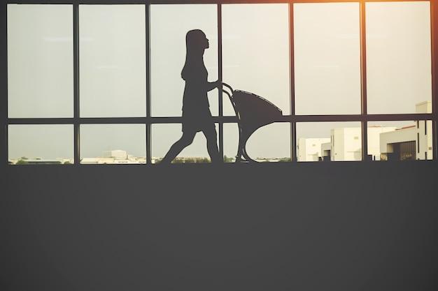Persone silhouette in vetro
